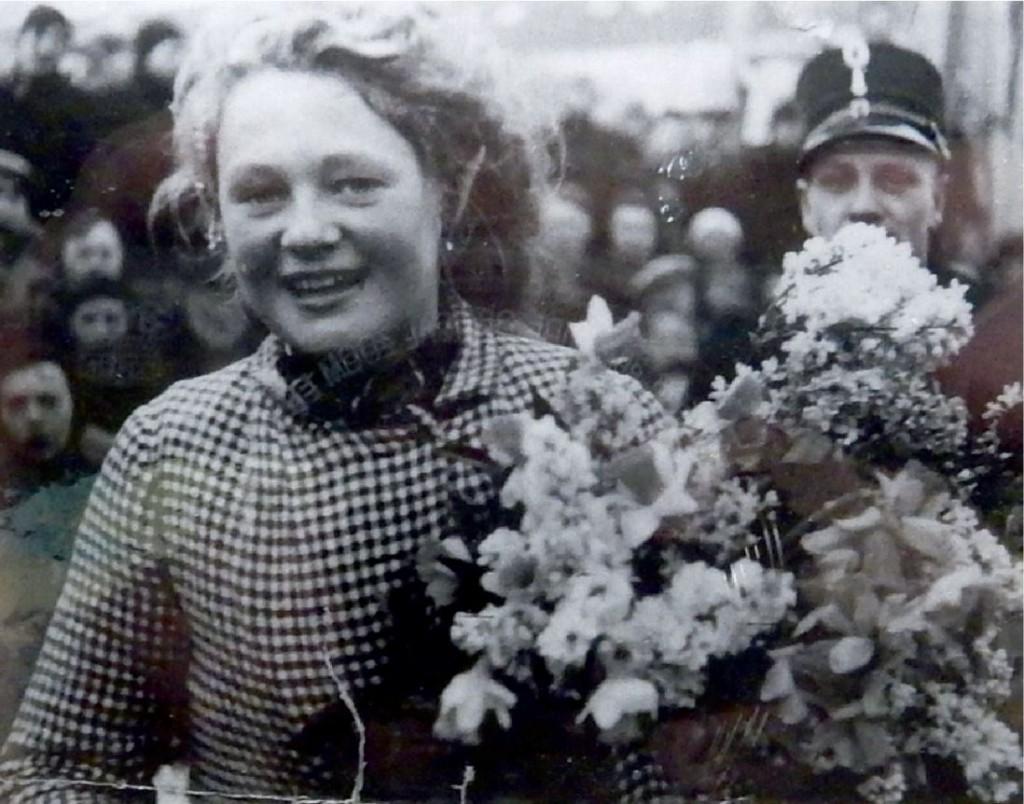 wobkje_kooistra_16 jaar_na_uitrijden_Elfstedentocht_1941.jpg